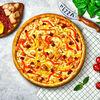 Фото к позиции меню Пицца с курицей и вялеными томатами