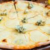 Фото к позиции меню Пицца с грушей и сыром горгонзола интеграле