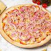Фото к позиции меню Пицца с тунцом и луком