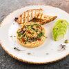 Фото к позиции меню Хумус с авокадо и тостами