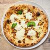 Фото к позиции меню Пицца с лисичками и страчателлой
