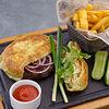 Фото к позиции меню Бургер из рубленой говядины в хрустящей лепешке