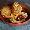 Фото к позиции меню Паштет из куриной печени с луково-вишневым конфитюром