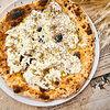 Фото к позиции меню Пицца с бурратой и трюфелем
