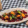 Фото к позиции меню Карпаччо из свеклы с овощами и грецким орехом
